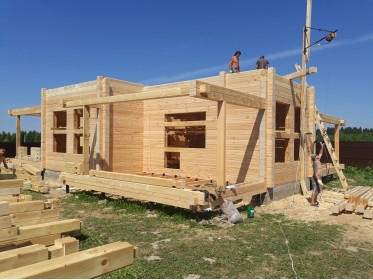 Монтаж конструктива стен дома