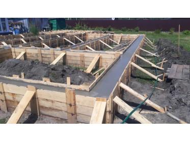 Начало строительства дома из клееного бруса