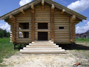 Усадка домов из бревна